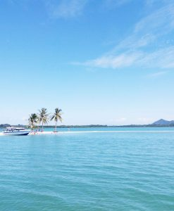Hong island speedboat tour - Phuket
