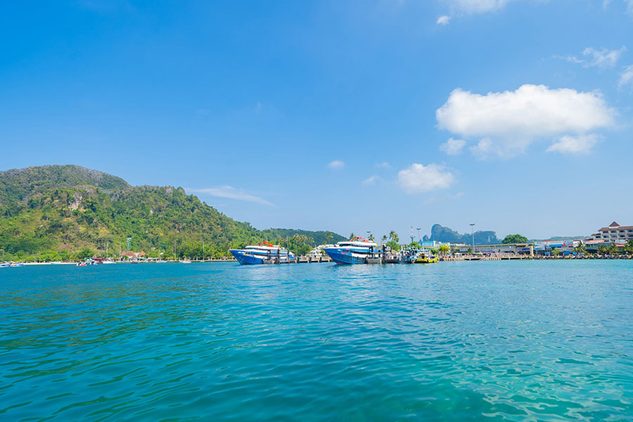 Is-It-Better-To-Stay-In-Phuket-Or-Phi-Phi? Is A Day Trip To Phi Phi Worth It?